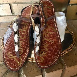 Size wool beaded SAM EDELMAN Kylie thong sandals.